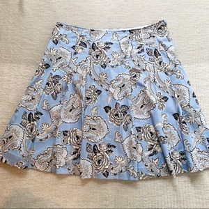 4/$25 - Talbots Blue + White Floral Pleated Skirt